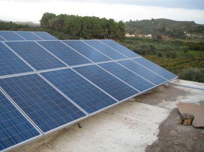 Φωτοβολταϊκά πάνελ σε σπίτια
