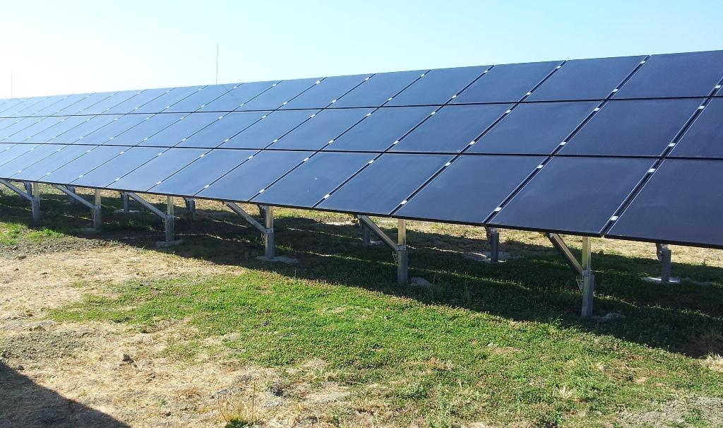 Φωτοβολταϊκά πάνελ σε φωτοβολταϊκό πάρκο