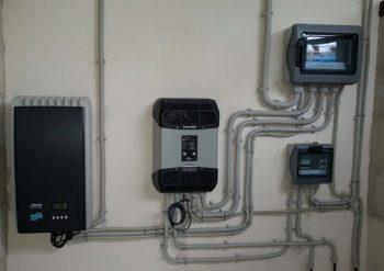 Εικόνα 3 : Inverter Steca coolcept & XTM 4000/48