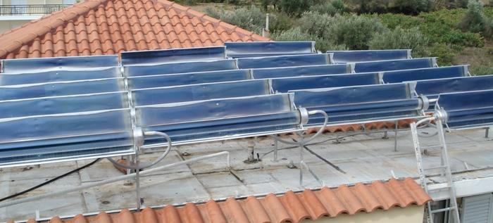 Ηλιακοί συλλέκτες κενού MAG σε ταράτσα ξενοδοχείου στα Κρέστενα Ηλείας