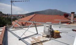 Βάσεις στήριξης φωτοβολταϊκών με ενισχυμένη αντοχή στα άλατα και τη διάβρωση
