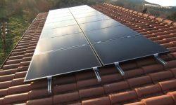 Φωτοβολταϊκά πάνελ υψηλής παραγωγής Solar Frontier στην στέγη