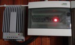 Ρυθμιστής φόρτισης τεχνολογίας MPP και πίνακας AC-DC