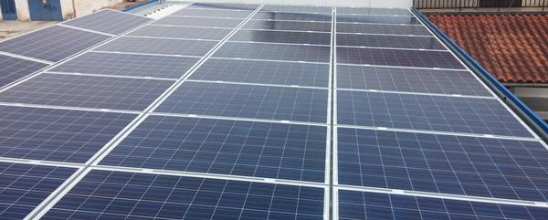 Φωτοβολταϊκά πάνελ σε εγκατάσταση net metering