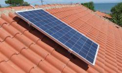 Φωτοβολταϊκό πάνελ 300W 24βολτο στην στέγη