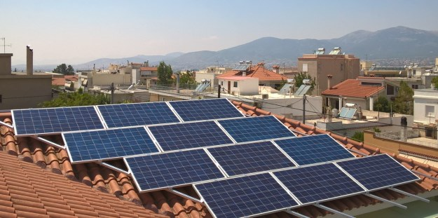 Φωτοβολταϊκά 255W στην στέγη με κεραμίδια
