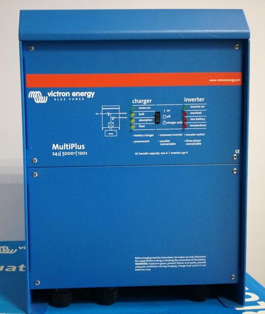 Μεταχειρισμένο ινβέρτερ-φορτιστής αυτόνομων φωτοβολταϊκών Victron Multiplus 24/5000/120-100