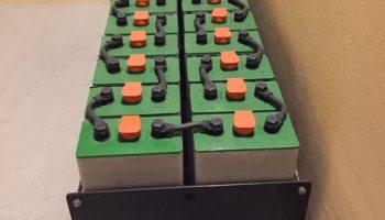 Μπαταρίες βαθιάς εκφόρτισης 2V με 2500 κύκλους ζωής για φωτοβολταϊκά