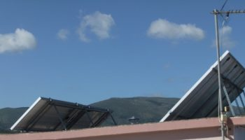 Ειδικές βάσεις στήριξης φωτοβολταϊκών υψηλής αντοχής στην υγρασία και στο αλάτι της θάλασσας