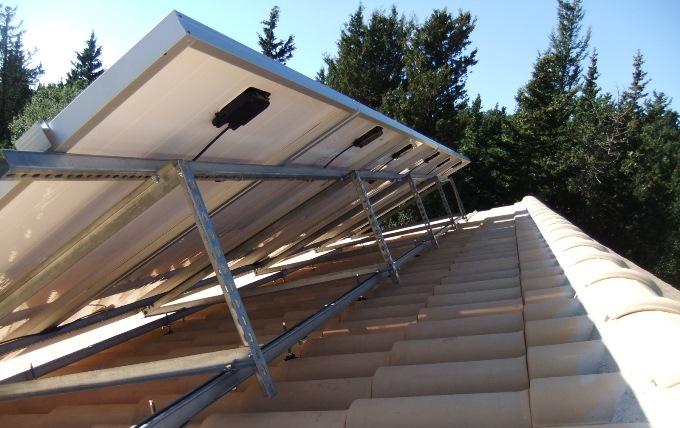 Βάση στήριξης φωτοβολταϊκών με μεγάλη αντοχή στα άλατα σε αυτόνομο σύστημα στην Κεφαλονιά