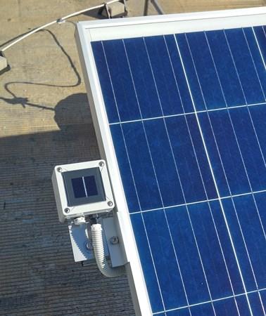 Αισθητήρας ηλιακής ακτινοβολίας στο φωτοβολταϊκό 20kW στην Κόρινθο