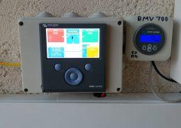 Οθόνες Victron Color Control GX Victron BMV 700 σε αυτόνομο φωτοβολταϊκό στην Εύβοια