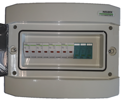 Ηλεκτρολογικός πίνακας φωτοβολταϊκών με ασφάλειες και αντικεραυνικό