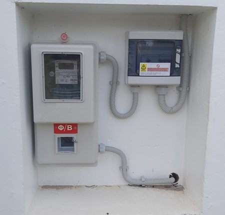 Πιστοποιημένος μετρητής και μοντεμ φωτοβολταϊκού net metering