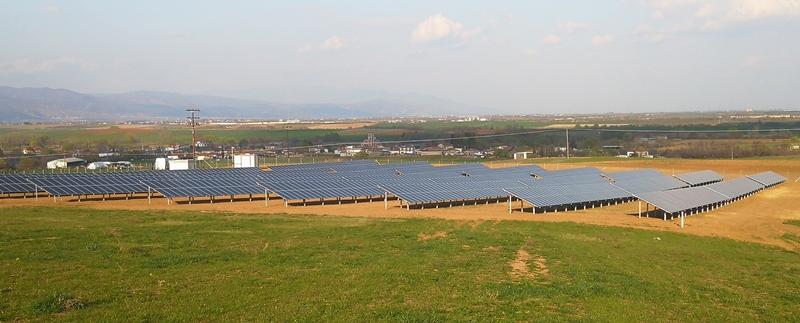 Φωτοβολταϊκό πάρκο 500kW με πάνελς Amerisolar 310W PERC, ινβέρτερς Goodwe GW80K και βάσεις αλουμινίου Alumil