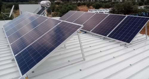 Φωτοβολταϊκά πάνελς σε αυτόνομο σύστημα στη Ρόδο