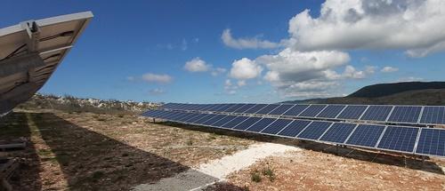 Φωτοβολταϊκά Amerisolar σε φωτοβολταϊκό πάρκο 100kW στη Ζάκυνθο